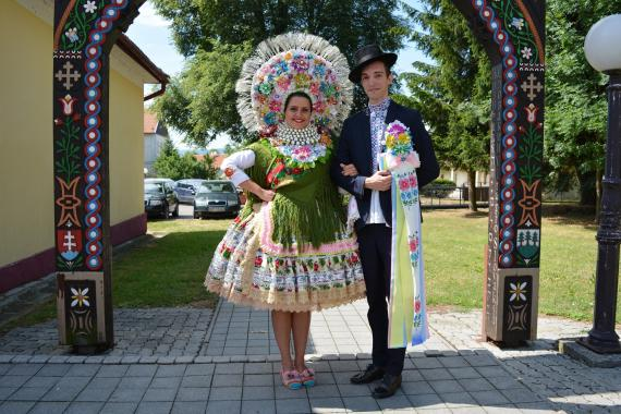 cd20338be Mladucha a ženích z Vojvodiny - foto zj.jpg