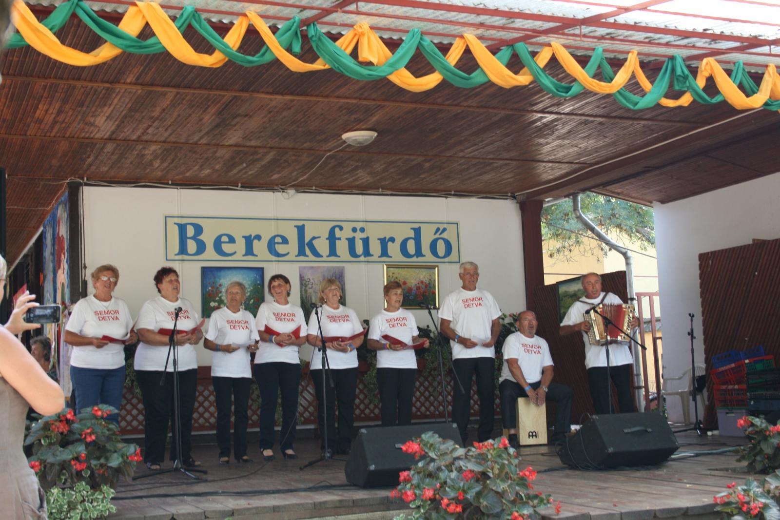 b96644744 Spev a tanec seniorov Klubu dôchodcov č. 3 oslnil v Maďarsku
