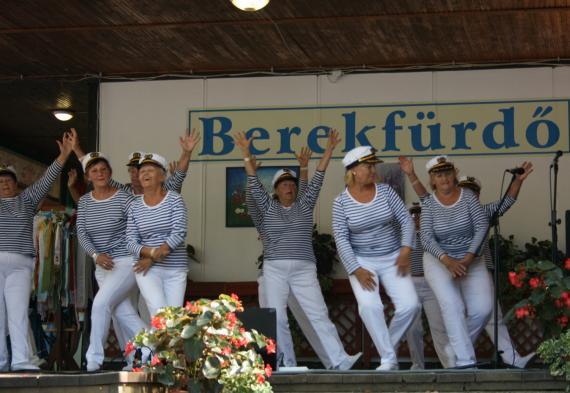3c396d63d Vystúpenie v BEREKFURDO - foto Ján Mikuš.jpg