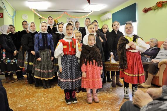 Deti Základnej umeleckej školy Svetozára Stračinu.jpg eb78e110609