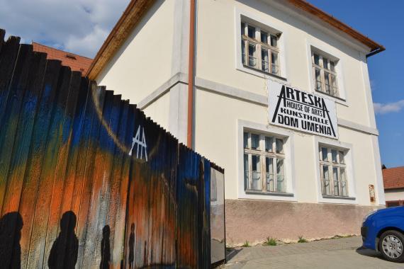 583ebab5087c Dom umenia Arteska na Partizánskej ulici v Detve pripravil letné denné  výtvarné a fotografické tábory pre deti.