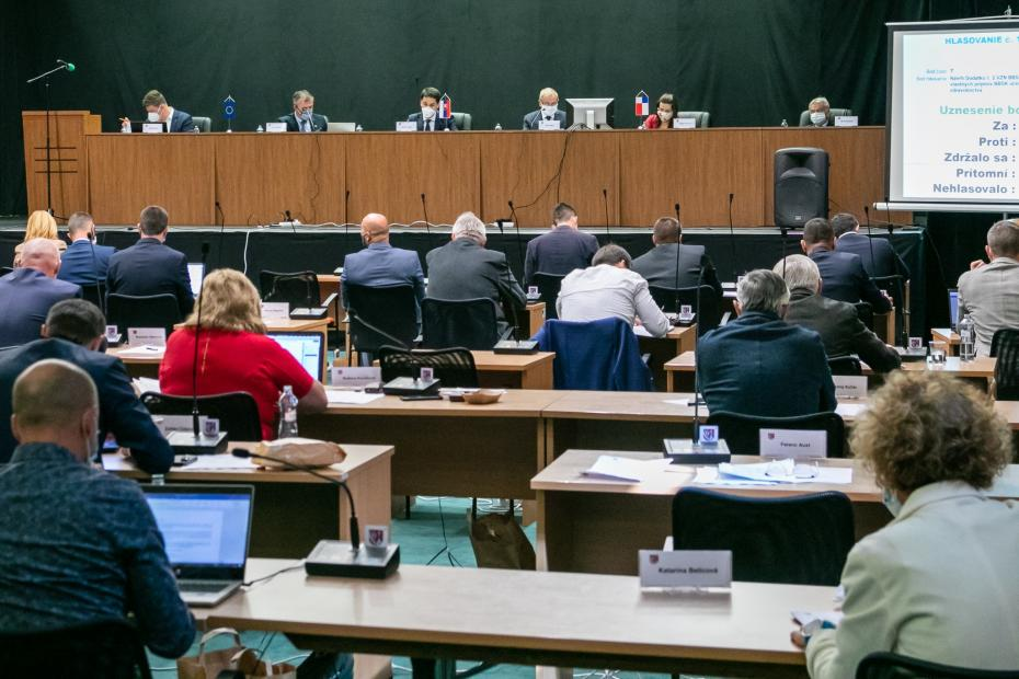 Rokovanie krajského zastupiteľstva.